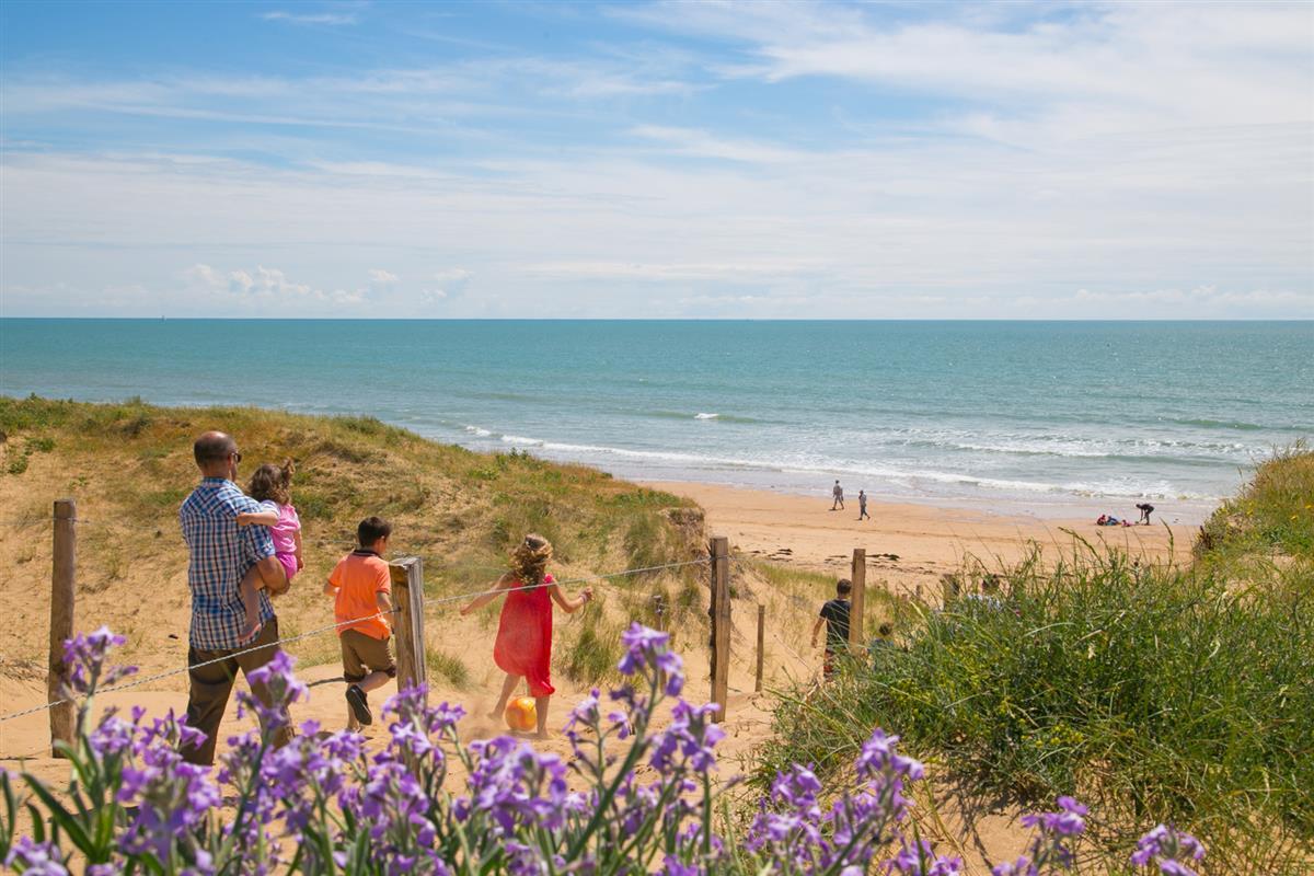 Photo plage à proximité du camping vacances en famille mer et dunes