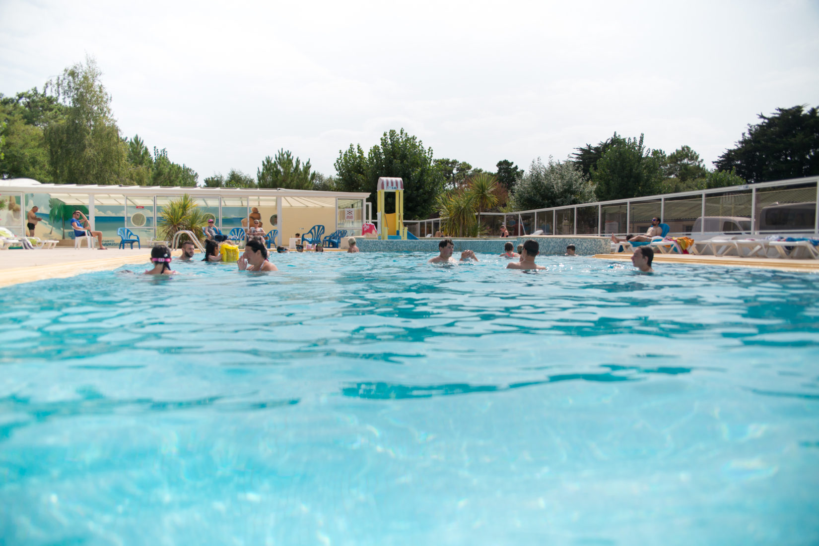 Le camping campings couleurs d 39 t for Camping isere avec piscine