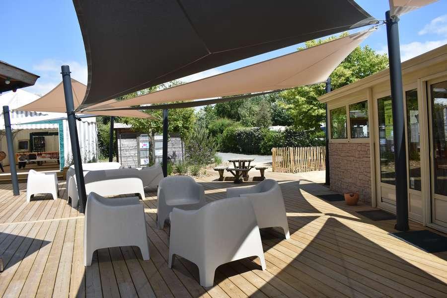 terrasse bar et snack camping le petit paris